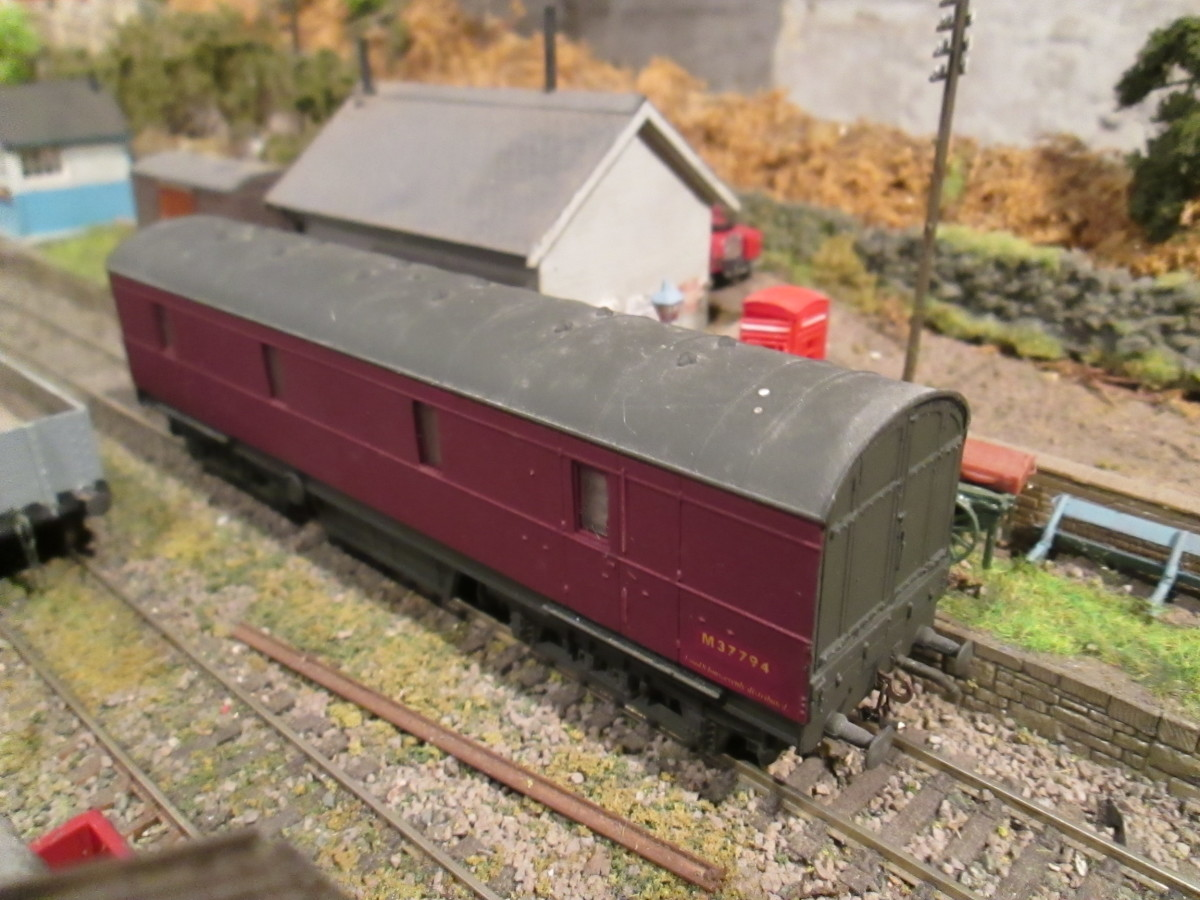 Ex-LMS bogie Covered Carriage Truck (CCT), latterly used on parcels traffic or as General Utility Vans (GUV), Modified Lima r-t-r