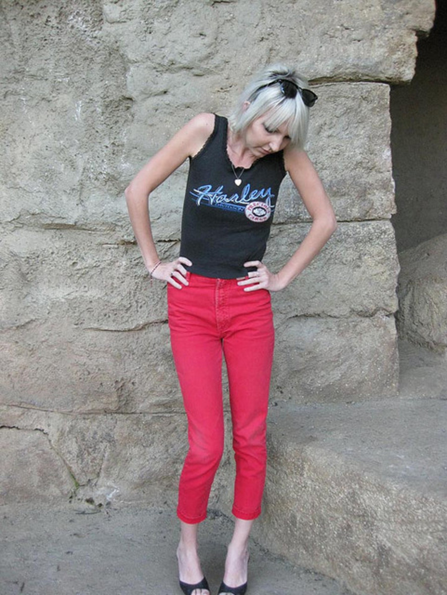 Skinny jeans in hot pink