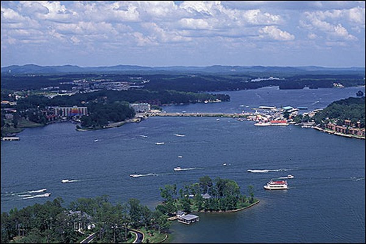 LAKE HAMILTON, HOT SPRINGS ARKANSAS