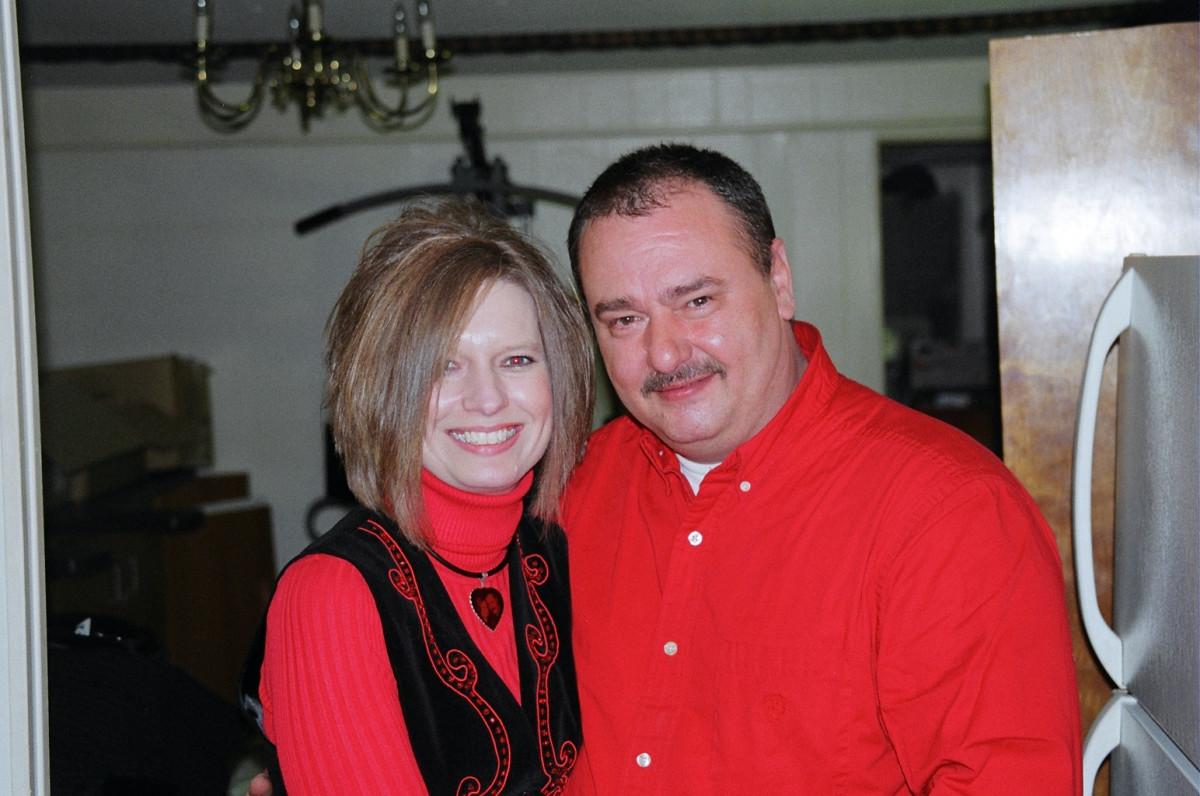 DAVID & JOHNNIE HENNESSEE