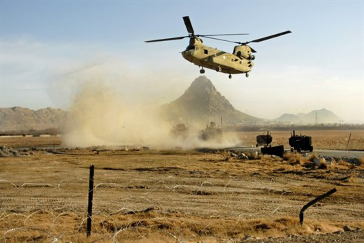 U.S. Army CH-47 Chinook helicopter offloading soldiers near the Arghandab district in Afghanistan's Kandahar province, Jan. 31, 2011.