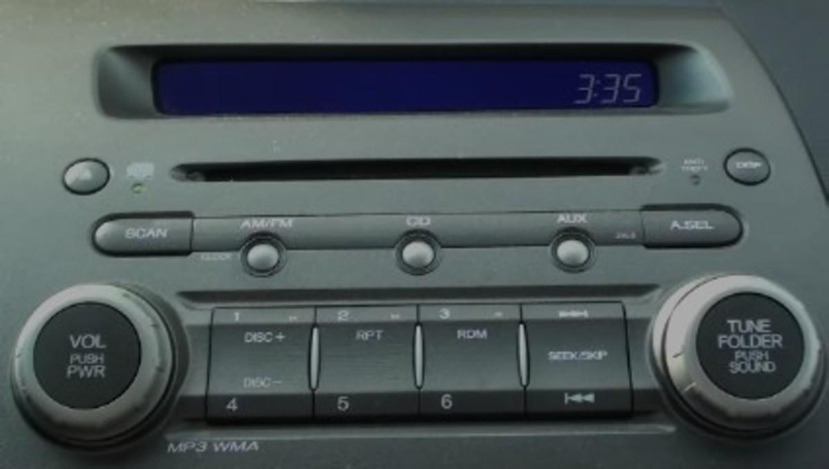 The Honda Civic audio controls.