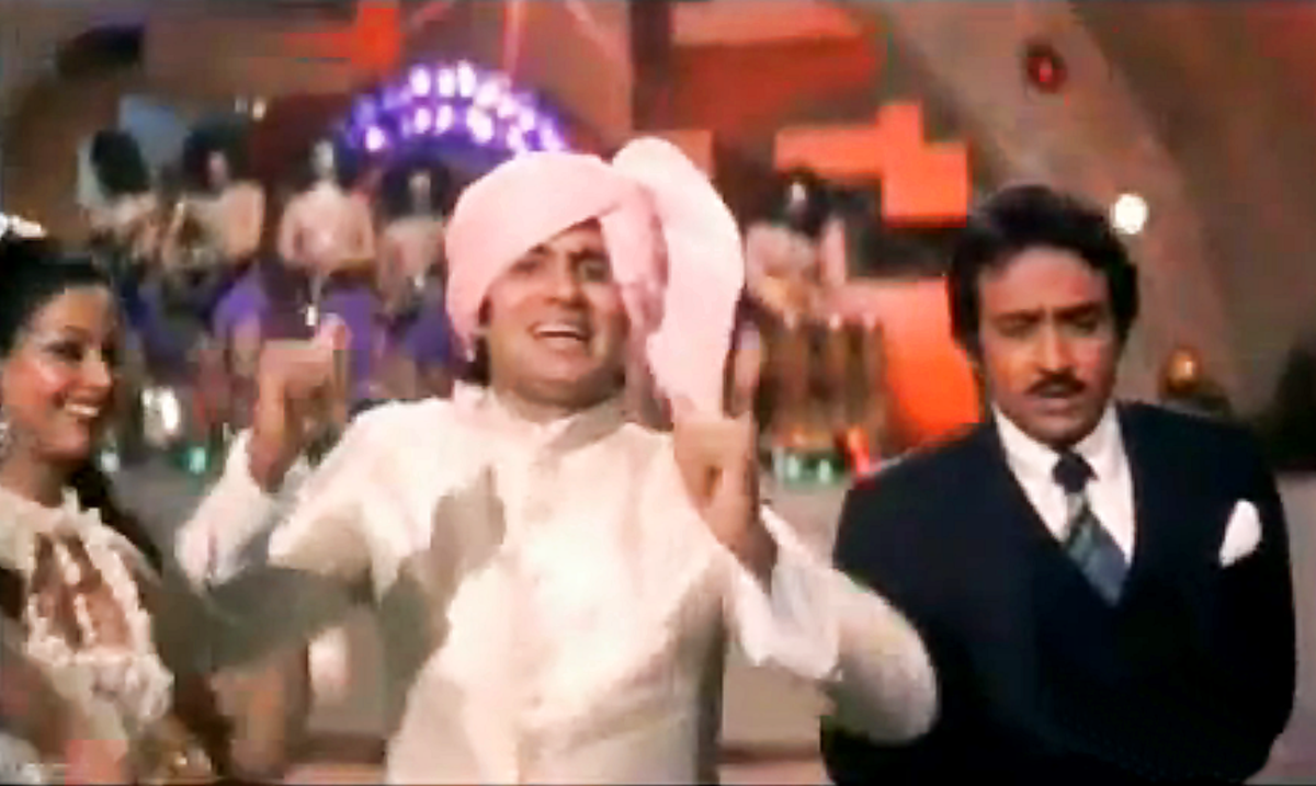 Another great number from Amitabh & Kishore