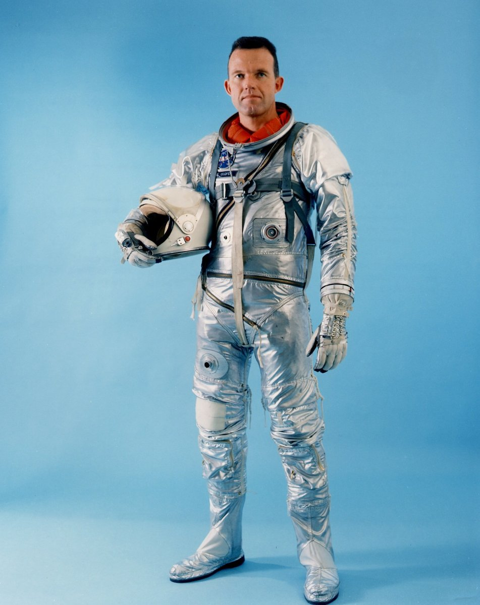 Alternate view of Mercury Space Suit. Photo courtesy of NASA.