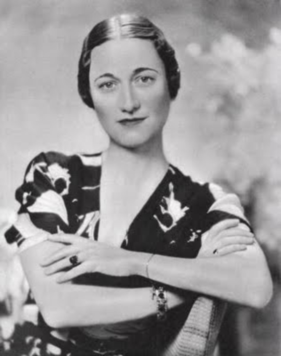 Wallis Simpson, Duchess of Windsor with her engagement ring circa 1936