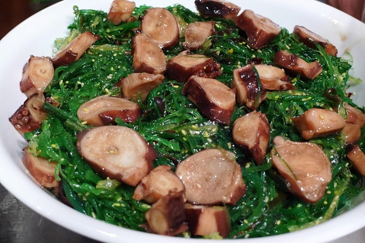 Tako Wakame Salad