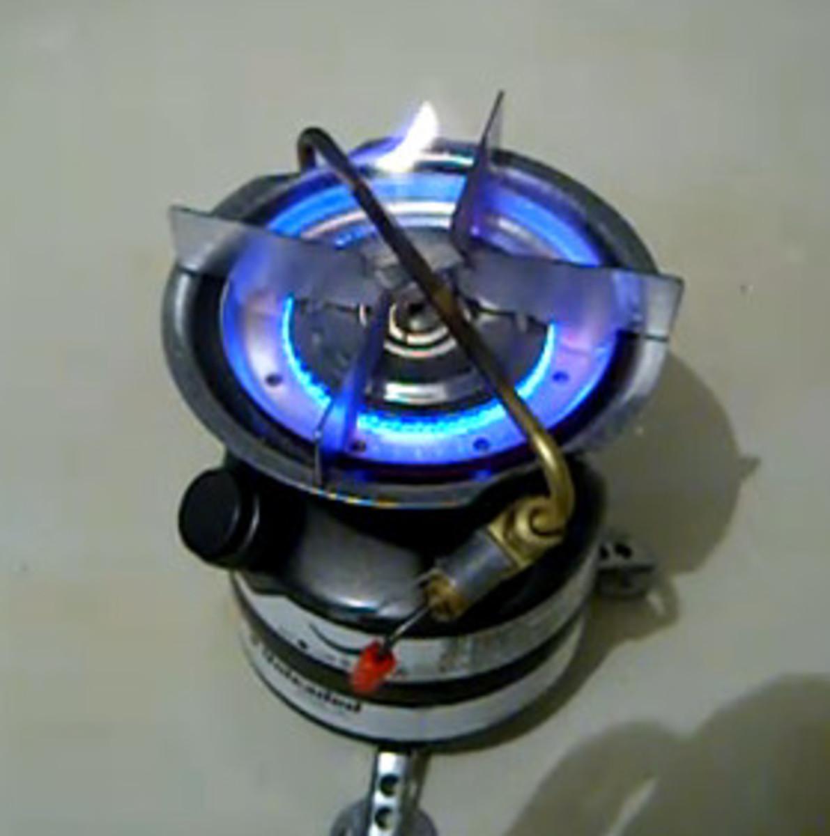 Lighting a Coleman Stove