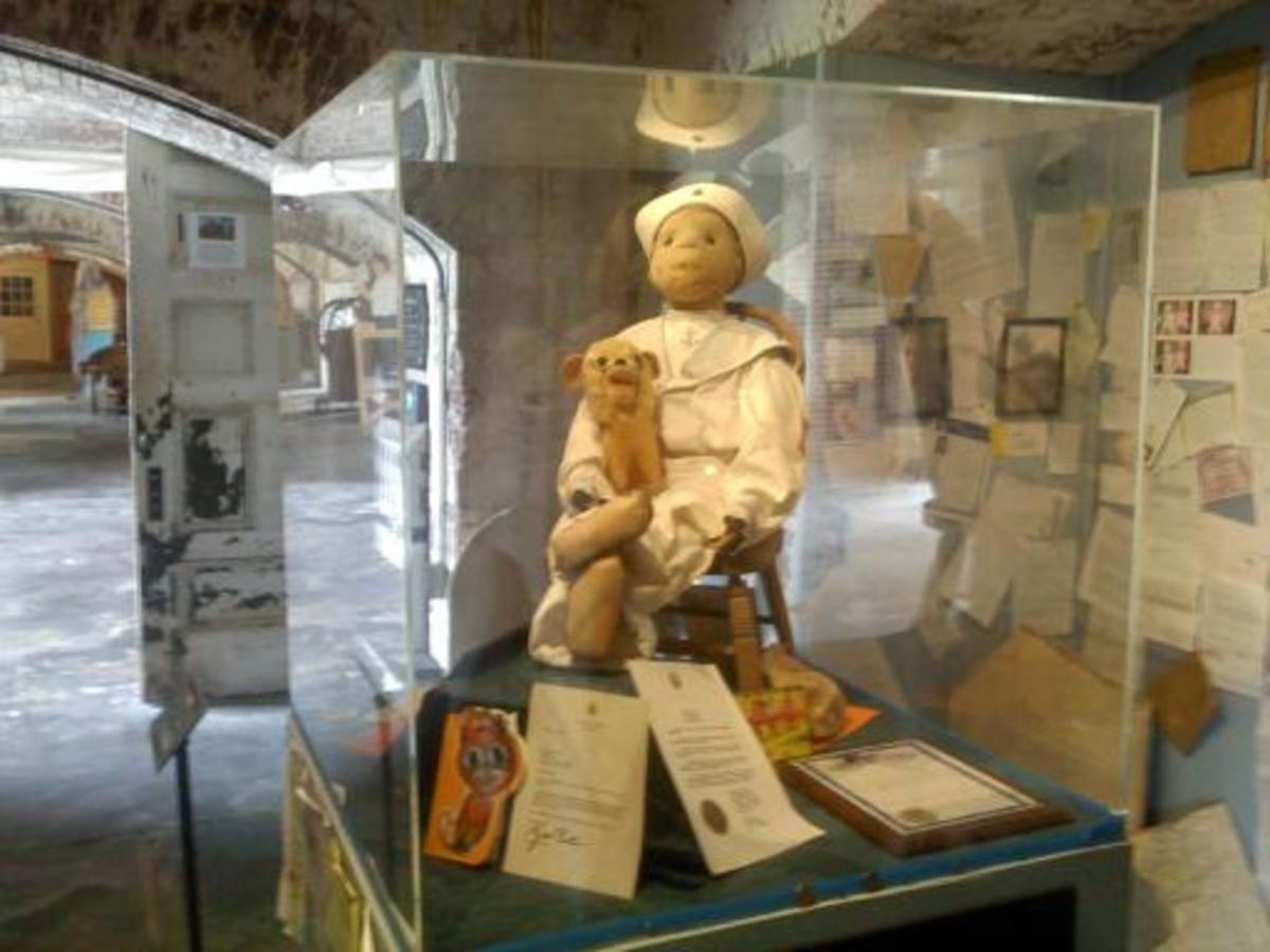 haunted-voodoo-dolls-robert-the-doll-haunted-america-haunted-happenings