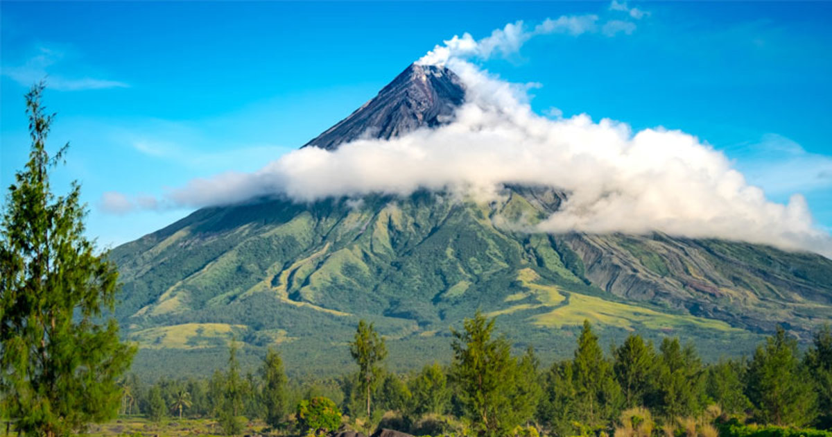 The beautiful Mount Mayon of Albay - Often referred to as the 'Perfect Cone' volcano.