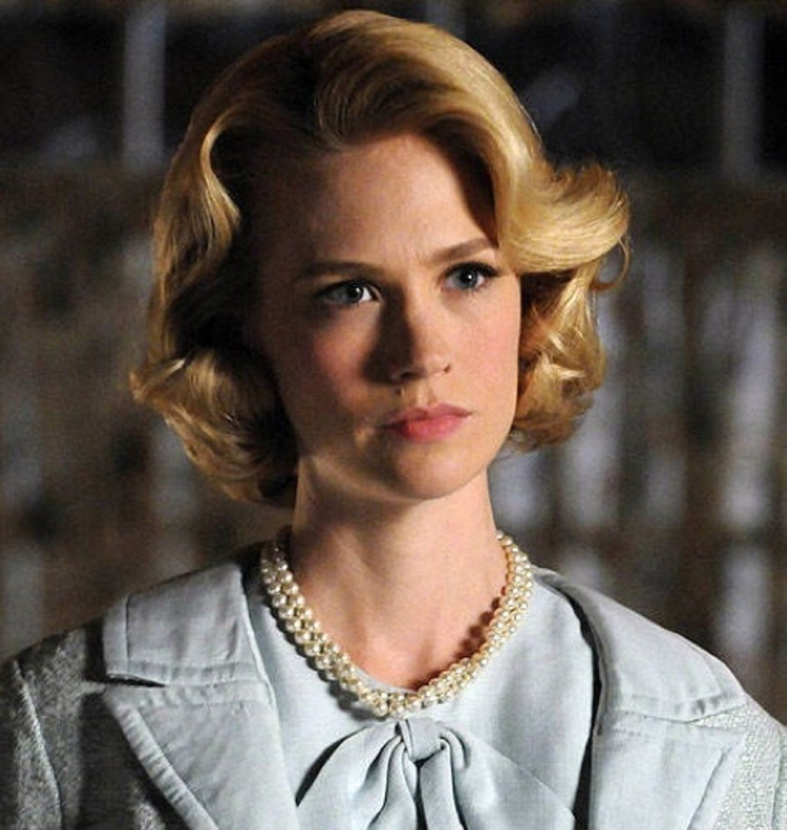 Betty 'Draper' Francis hairstyle in season 4.