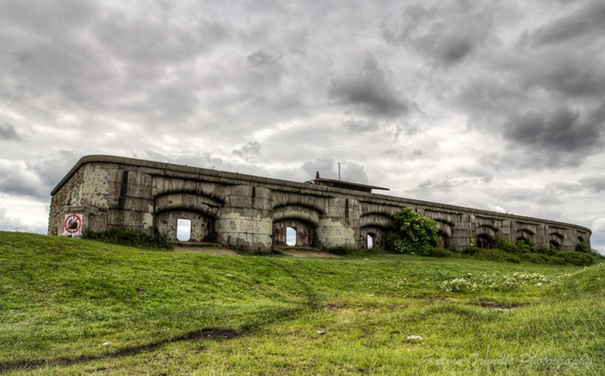 Childhood adventures - Exploring the still secret underground Abandoned Fort