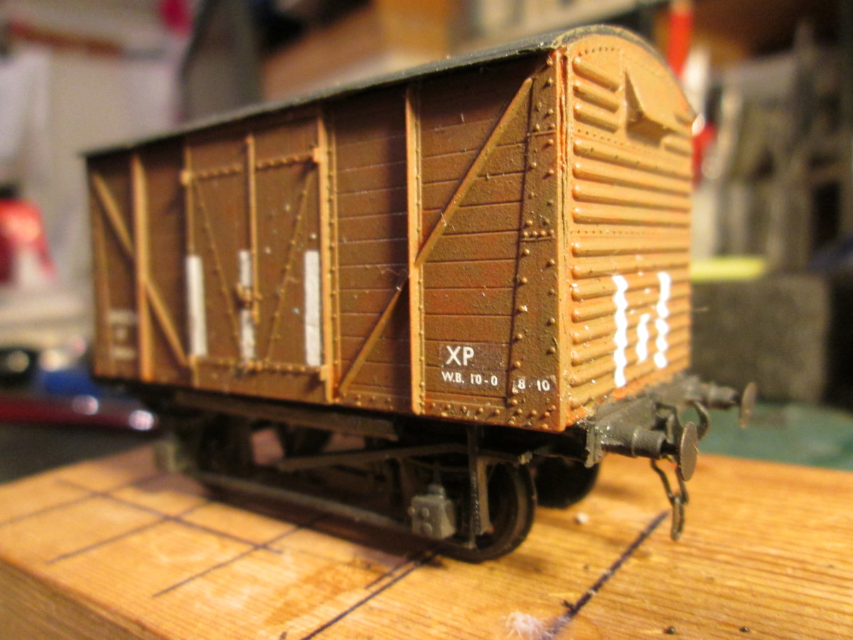 'Shoc-vans built to' prevent breakages - common to ordinary wagons, from shunting and sudden braking. Vertical white stripes denoted wagon type (Modelmaster and Fox . Transfers. Detailed with MJT sprung buffer heads and Smith's instanter couplings)