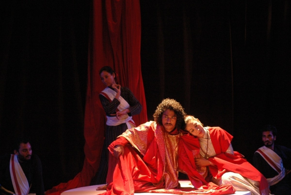 Oedipus and his mother-wife Jocasta, production still from Oedipus by Aarohan Theater Group