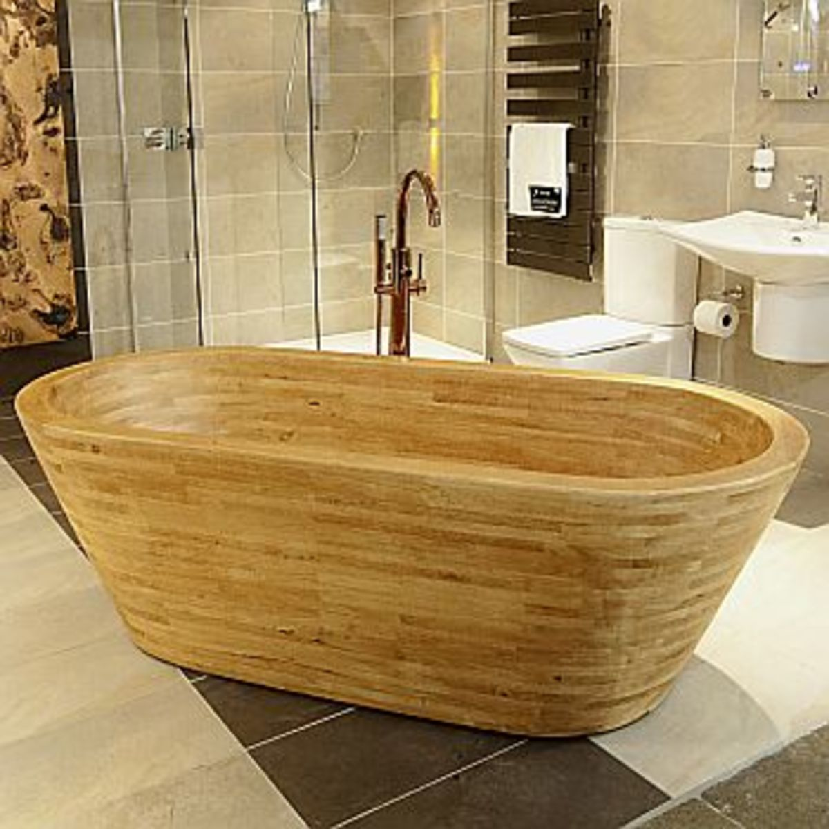 Decorating Your Bathroom Around a Wood Bath