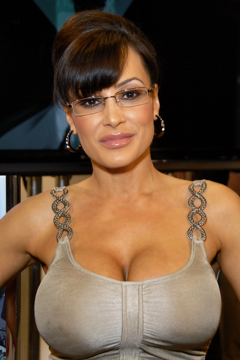 Lisa Ann in Who's Nailin' Paylin?