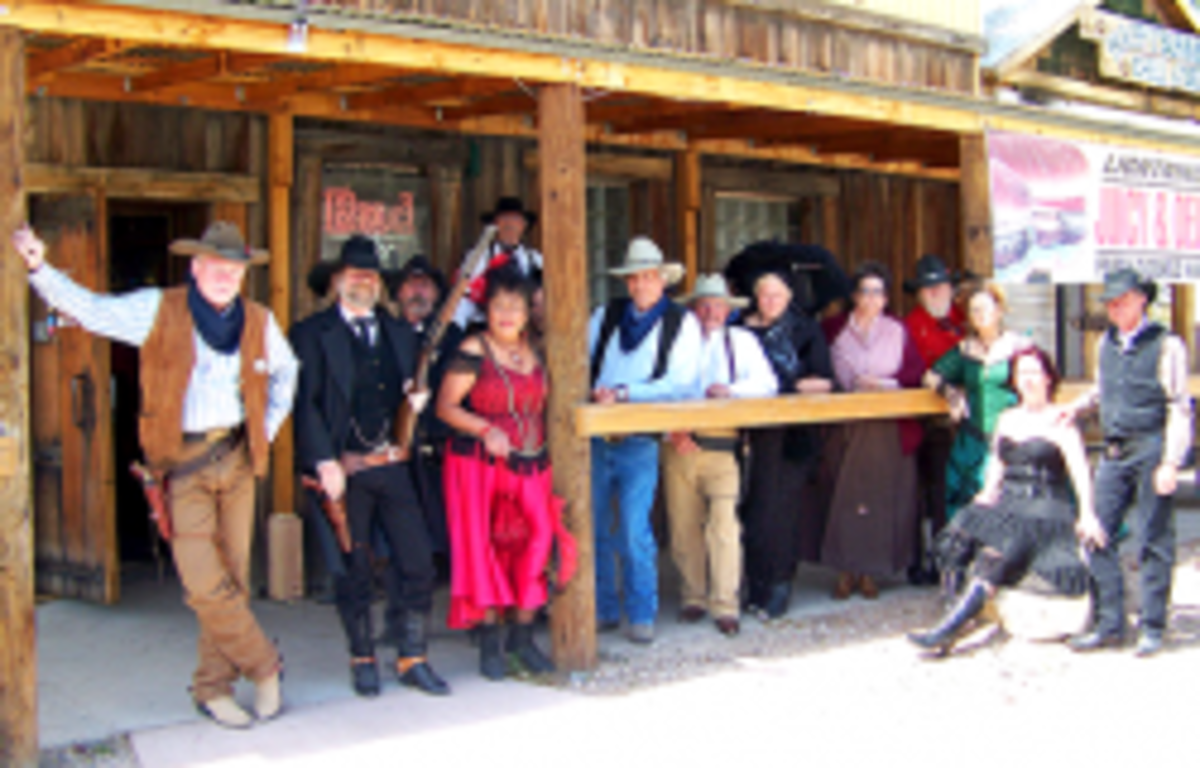 Beatty Cowboys at the Sourdough Saloon - by D'oh Boy,  [CC BY 2.0] on Flickr