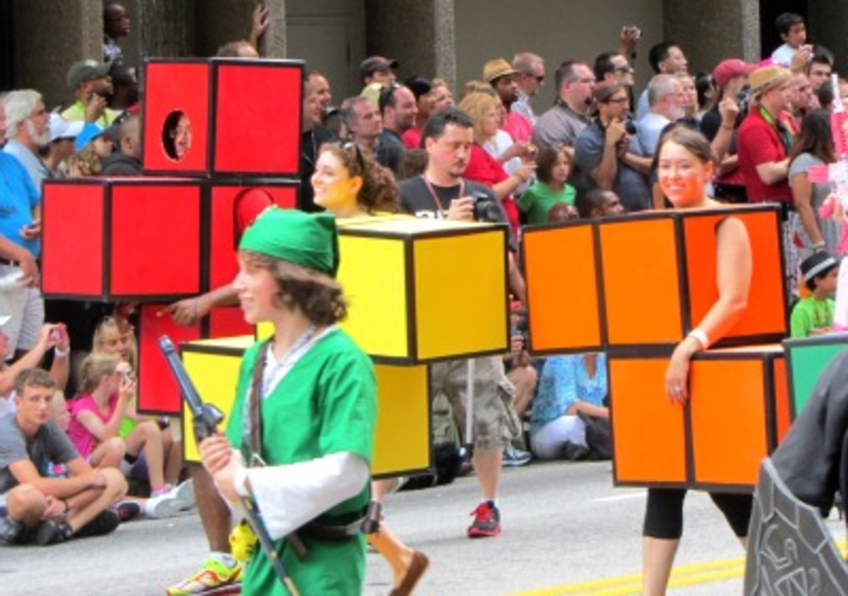 Dragon*Con Parade 2012 by Jason Riedy,  [CC BY-SA 2.0] on Flickr