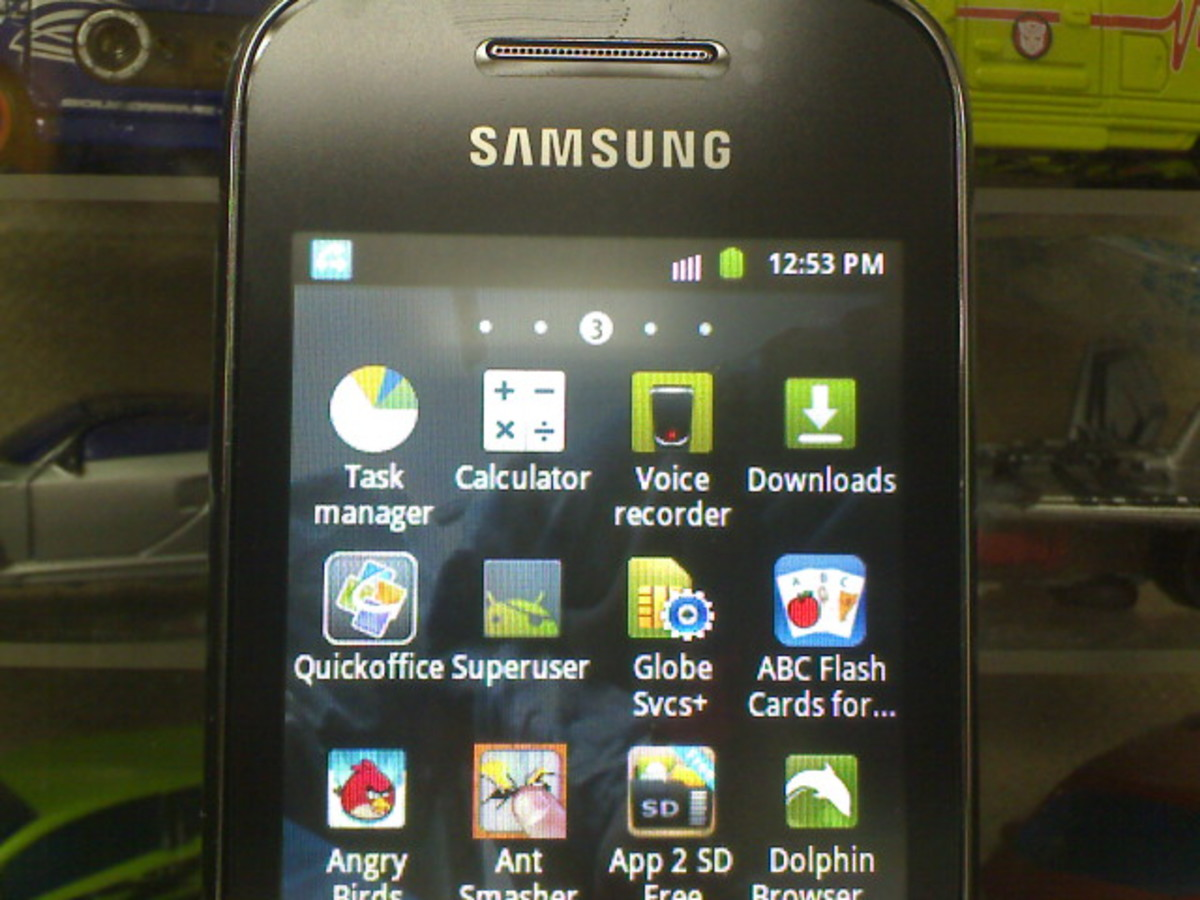 Galaxy Young with ROOT access - Notice the Android Pirate icon
