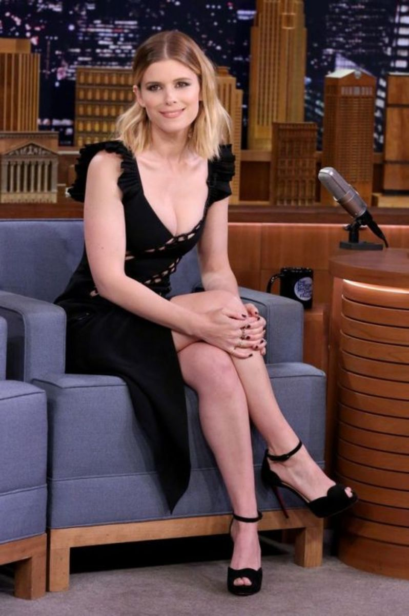 Kate Mara sexy crossed legs in a scoop neck littleblack dress and ankle strap open toe platform high heel sandals