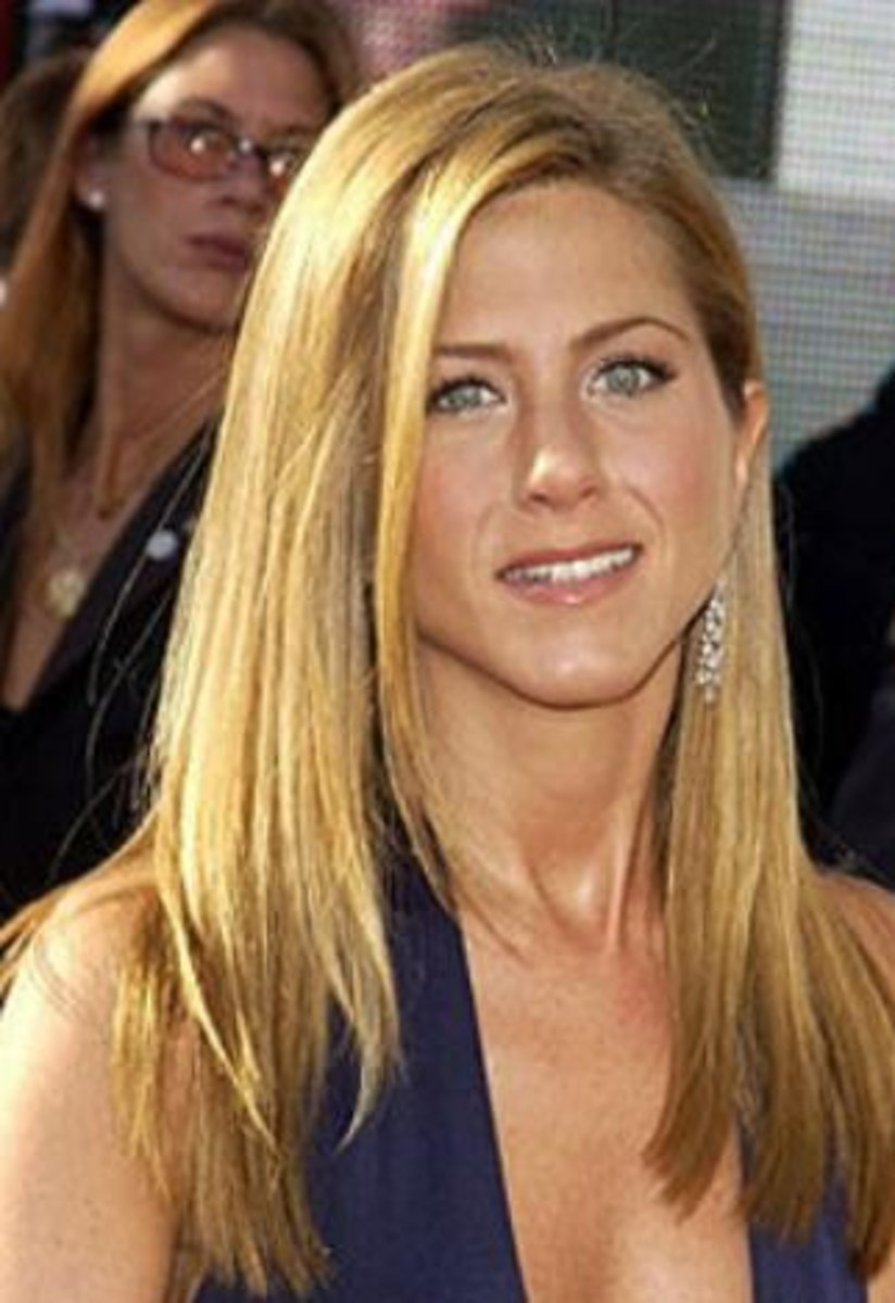 Jennifer Aniston with Long Golden Blonde Hair