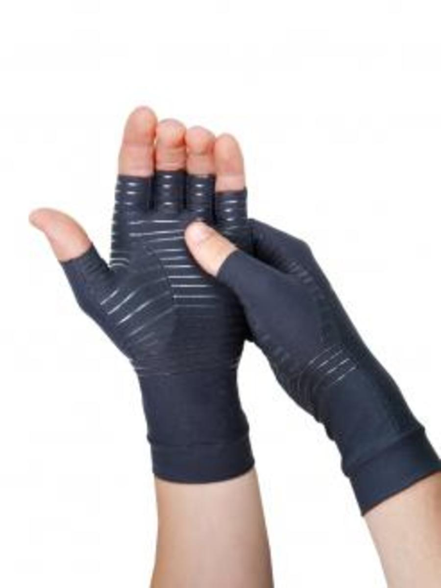 Review of Tommie Copper Fingerless Compression Gloves
