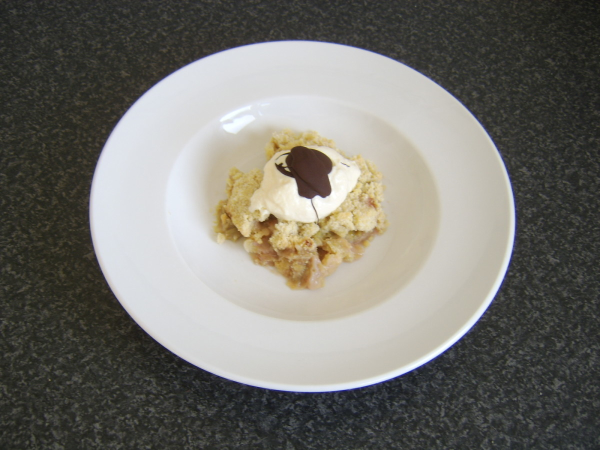 Rhubarb Crumble and Ginger Ice Cream Recipe