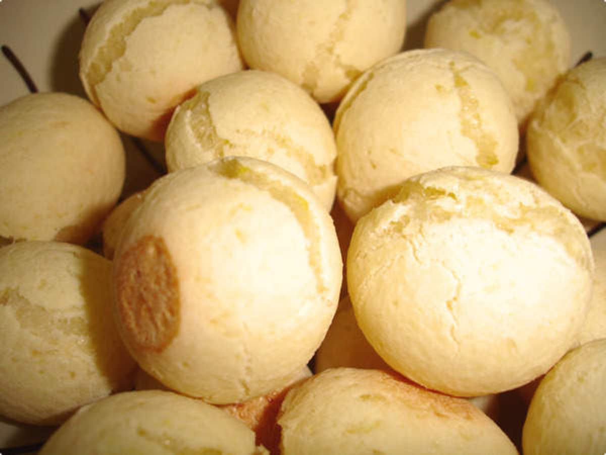 Pao de Queijo Recipe English / Portuguese (Bread of Cheese)