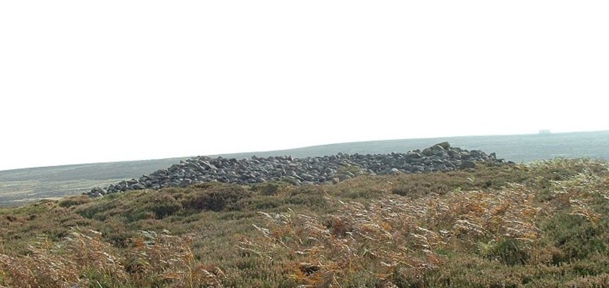 Little skirtful cairn