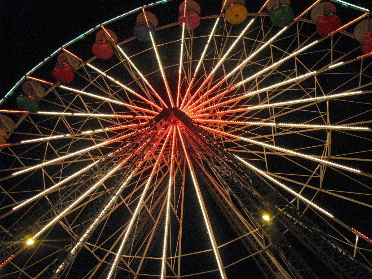 Knoebels Giant Wheel, lit up at night