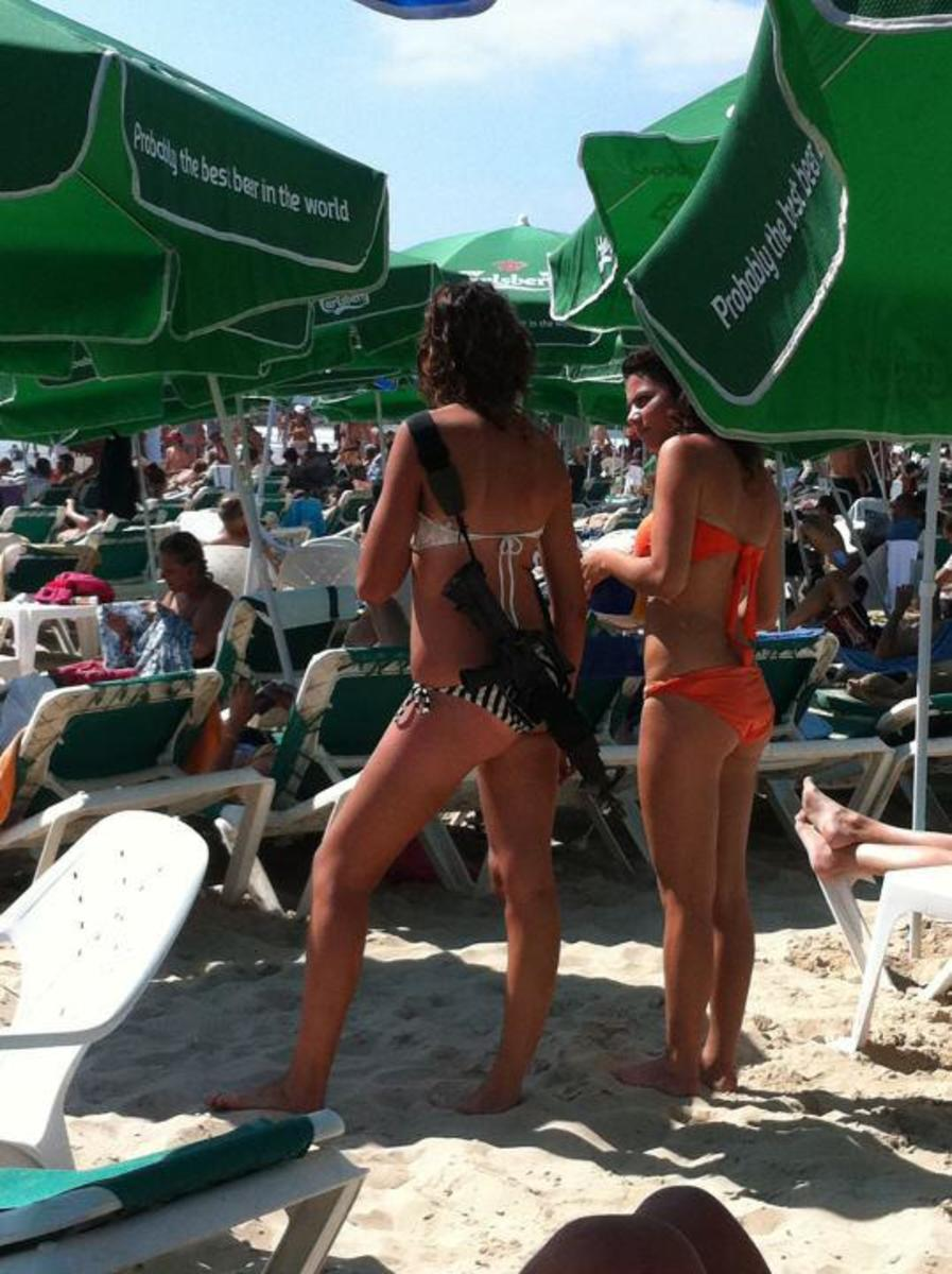 Israeli Girl Soldiers in Bikinis