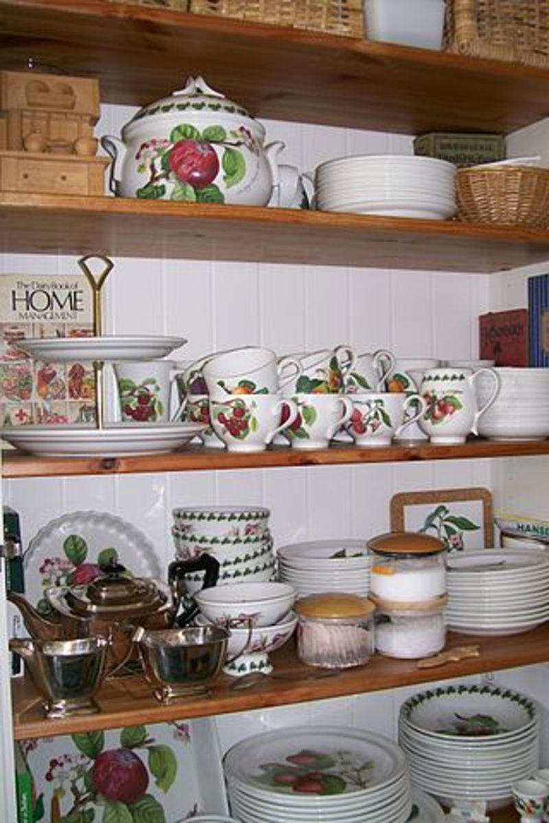 A display of Portmeirion Pottery - Pomona pattern