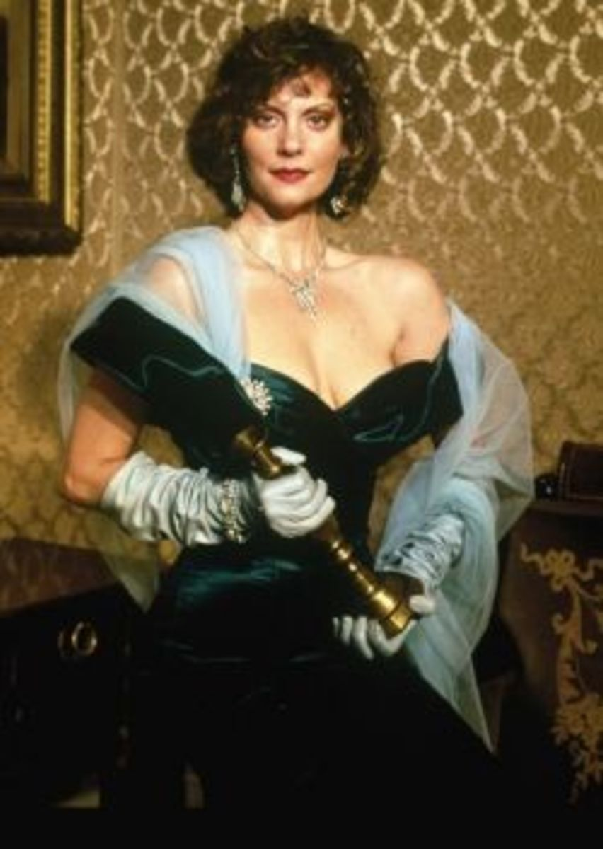 Lesley Ann Warren as Miss Scarlett in Clue