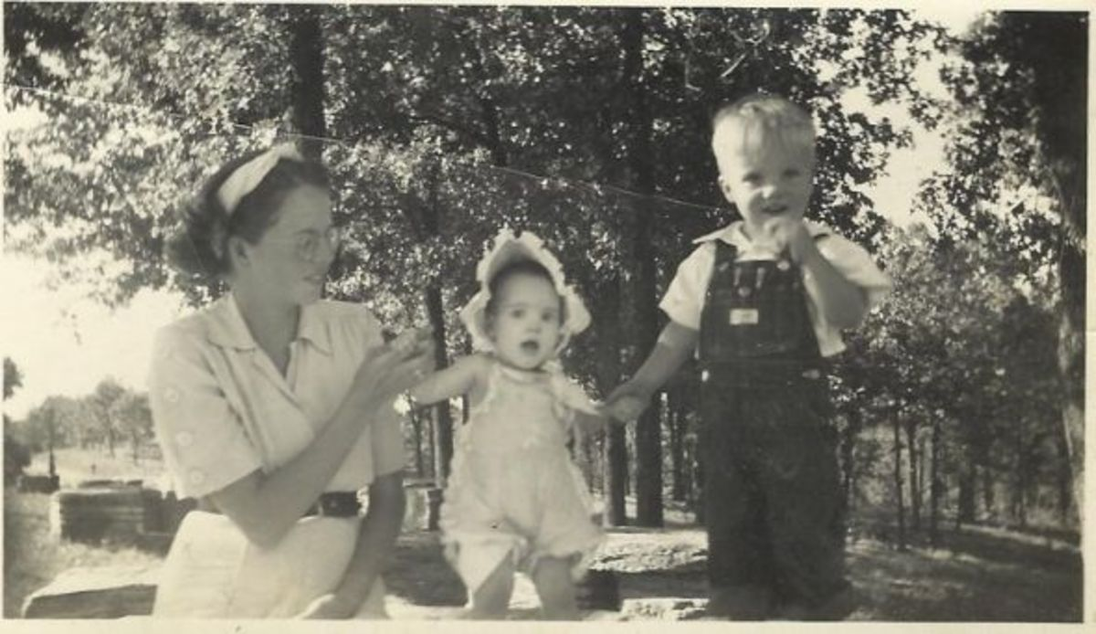 Gail with her children, Susan and Owen.