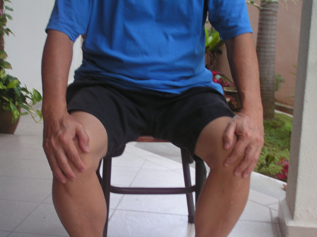 Knee-Rub Massage : Fast, Easy And Simple