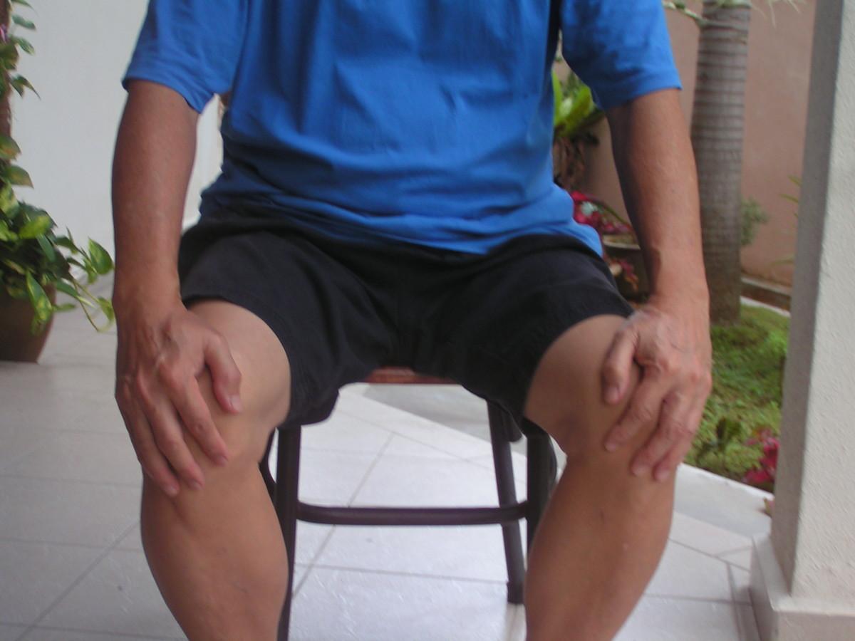 Knee-Rub Massage : Fast, Easy And Simple