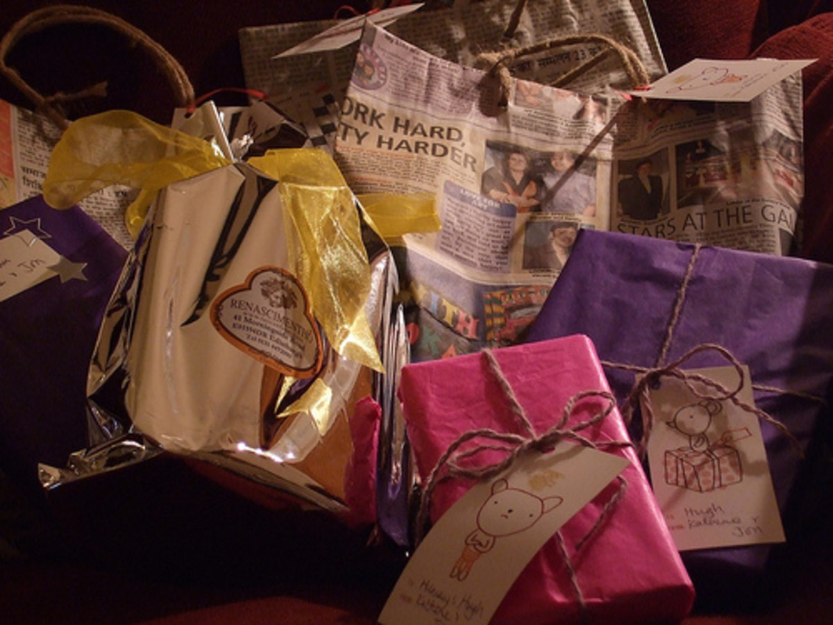 If you don't want a present assortment with solely newspaper wrapping, mix it up with other recycled materials for some of the gifts.