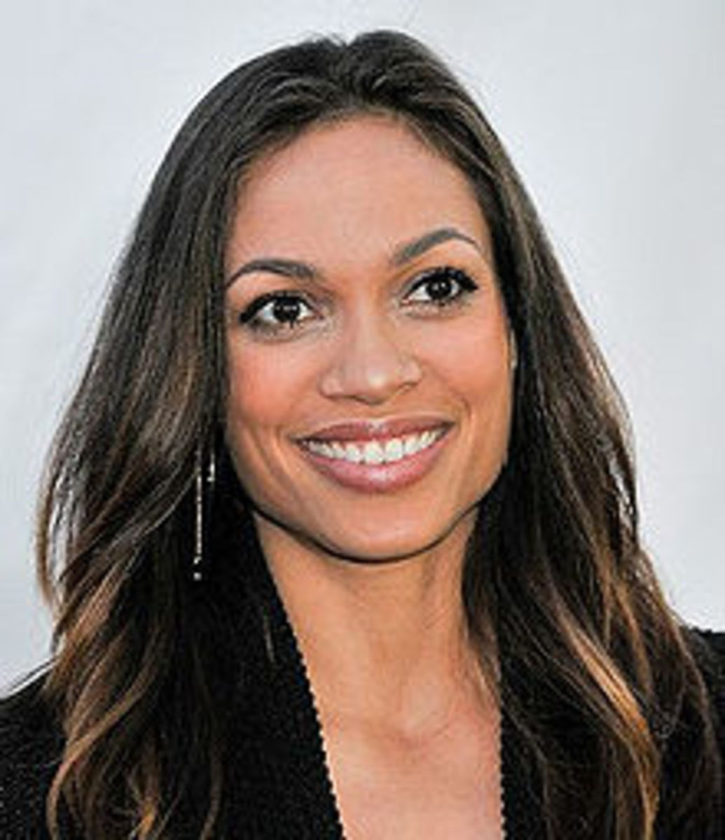 Hollywood women with square jaws: Rosario Dawson