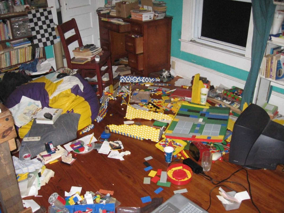 How to Clean A Very Messy Room Fast