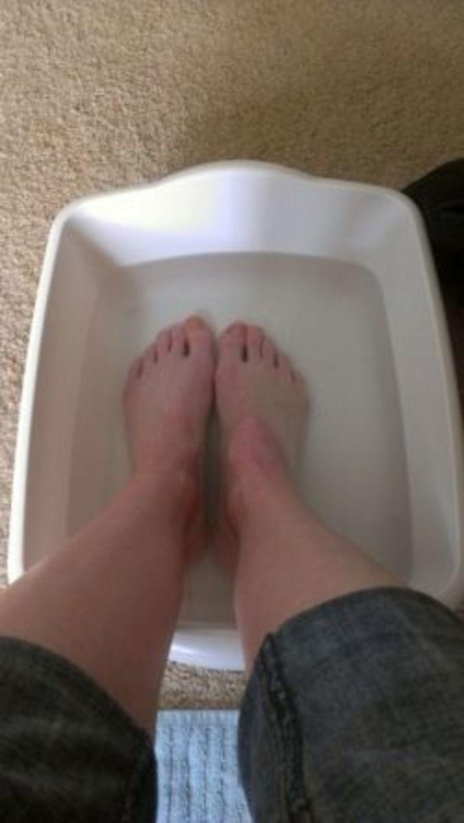 Soakin' my feets. :) This makes my feet feel amazing!