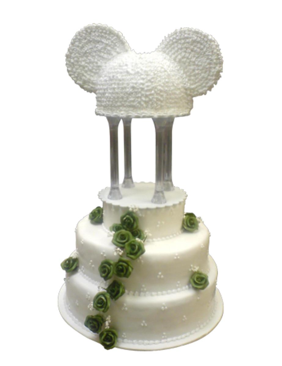 A really unique Disney wedding cake