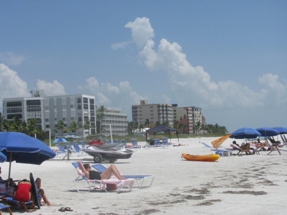 Hotels Along The Beach In Fort Myers Beach, Florida
