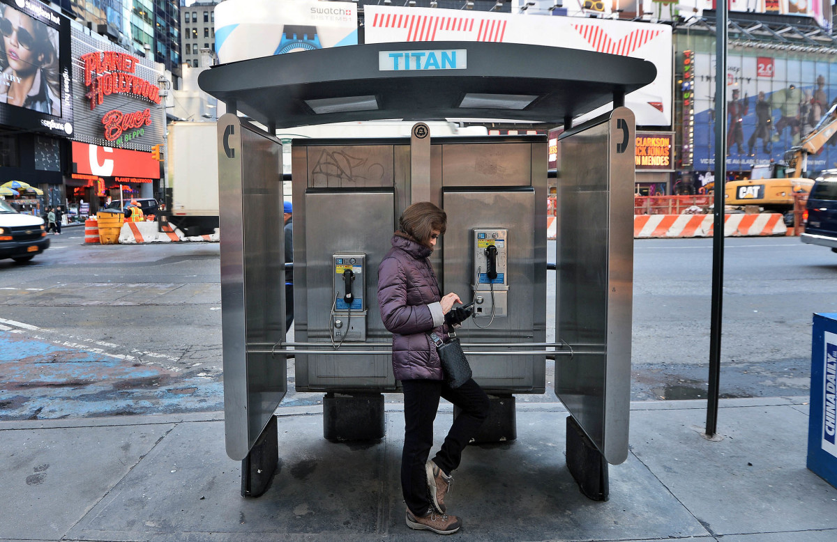 New York City is looking to replace its antiquated public pay phones in order to bring the five boroughs what it claims will be the largest and fastest free municipal Wi-Fi network in the world. While providing Internet access to the hustling and bus
