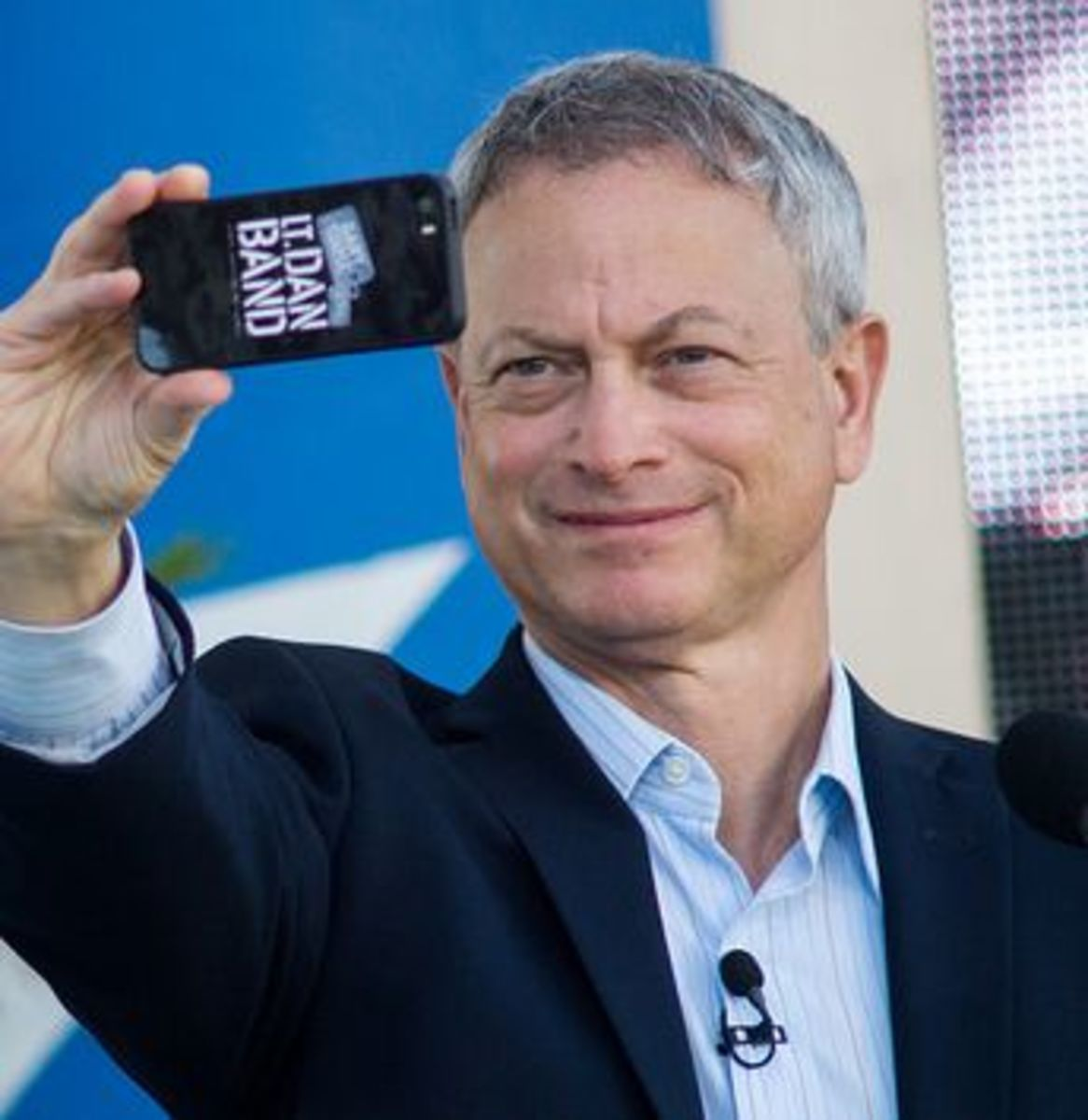 Gary Sinise, married since 1981