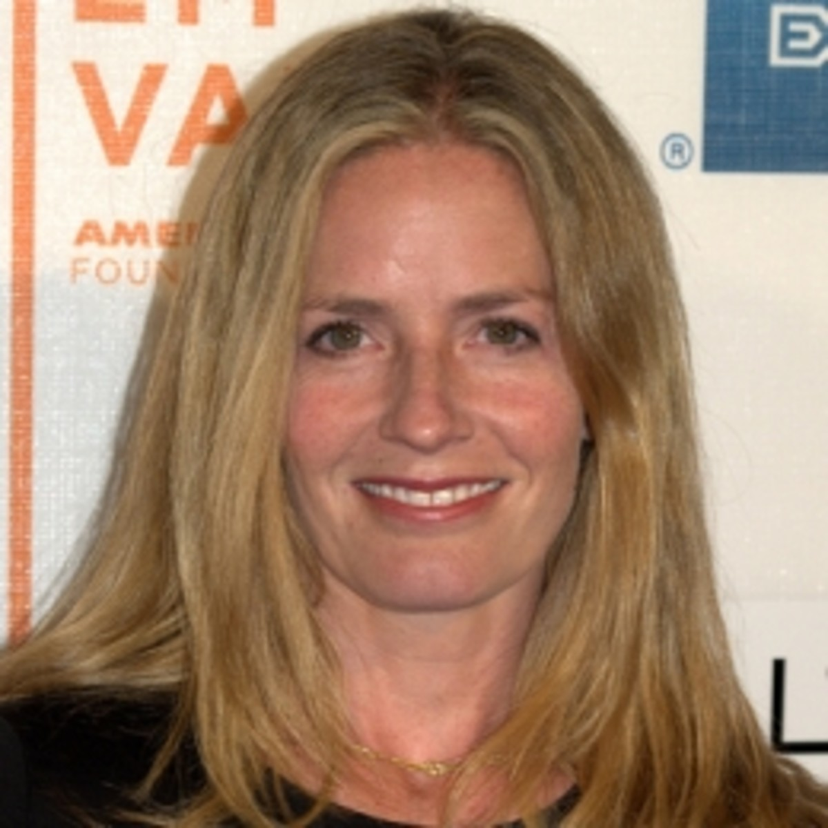Elisabeth Shue, married since 1994
