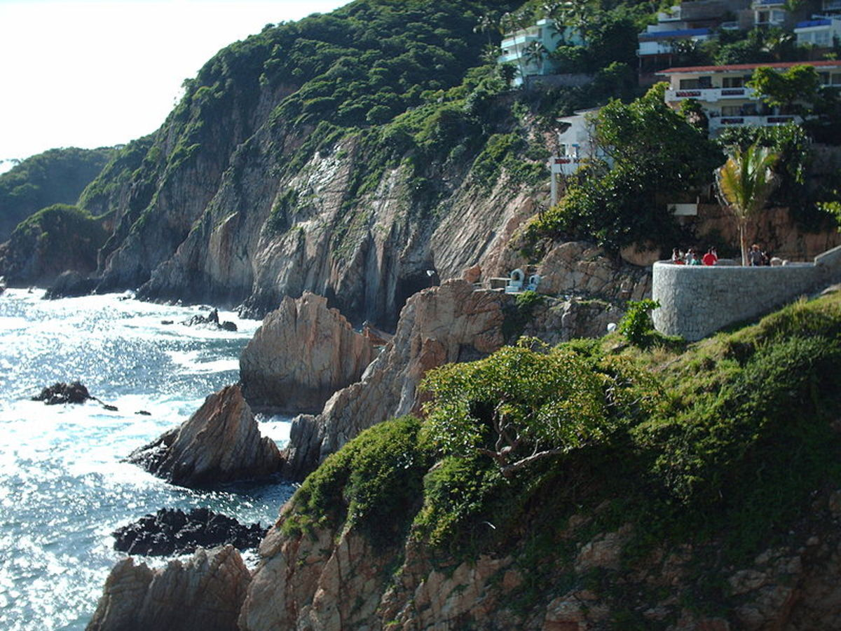 View of the rocky shoreline where the divers perform in Acapulco.