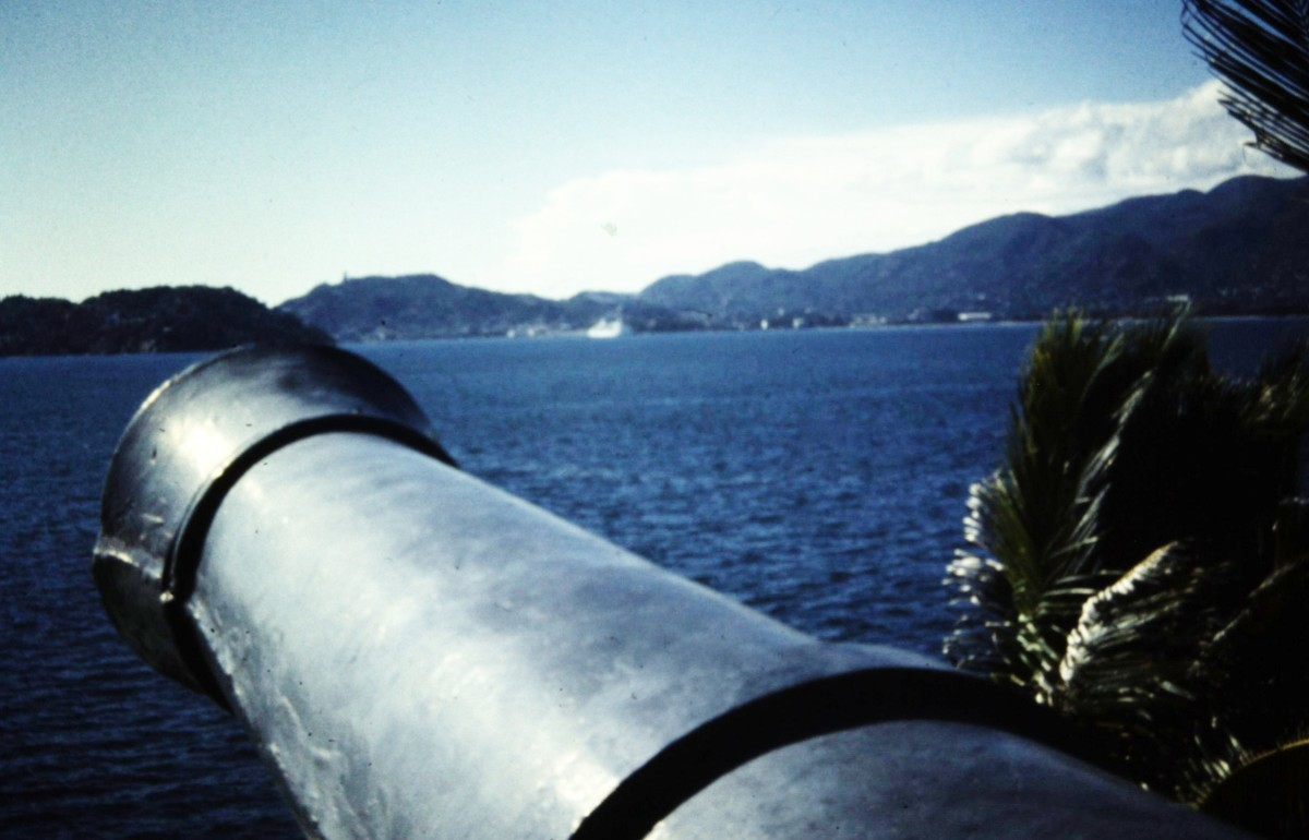 Old cannon (one of many) protecting Acapulco Bay