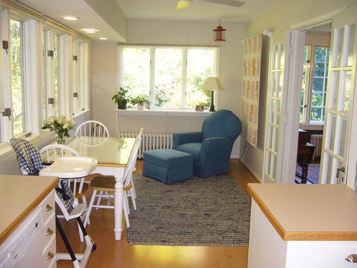 sunroom / breakfast room off Kitchen