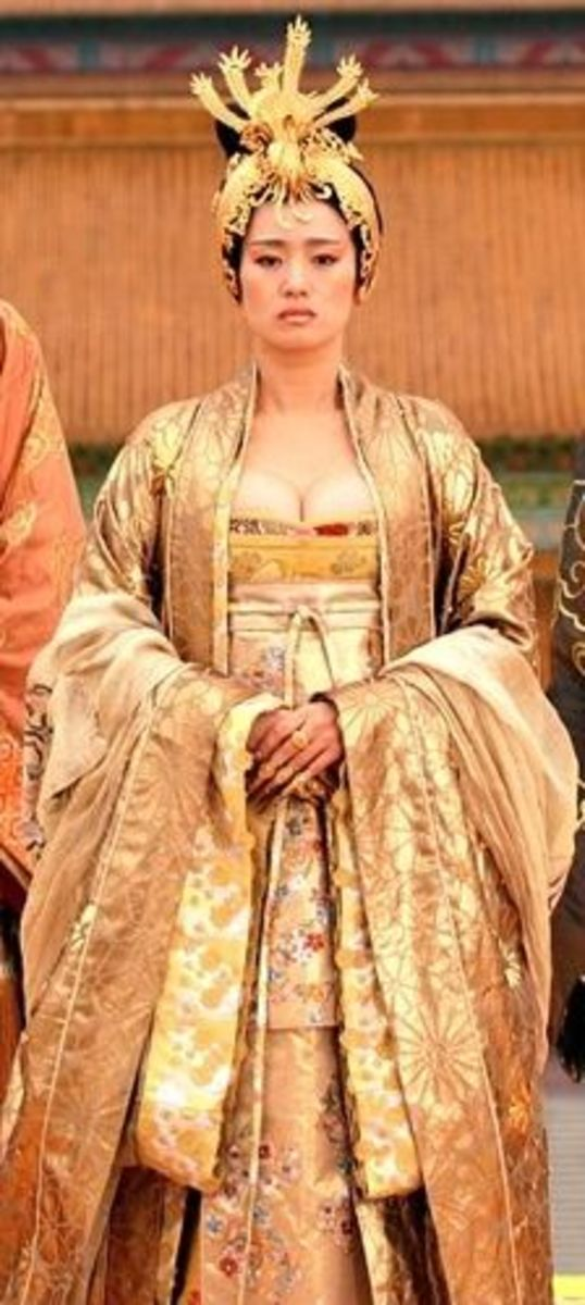 Gong Li as Empress Phoenix from Curse of the Golden Flower