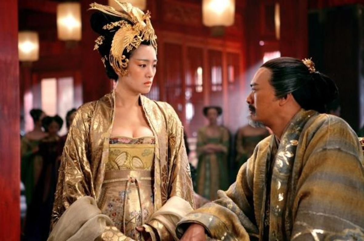 Gong Li and Chow Yn Fat in Curse of the Golden Flower
