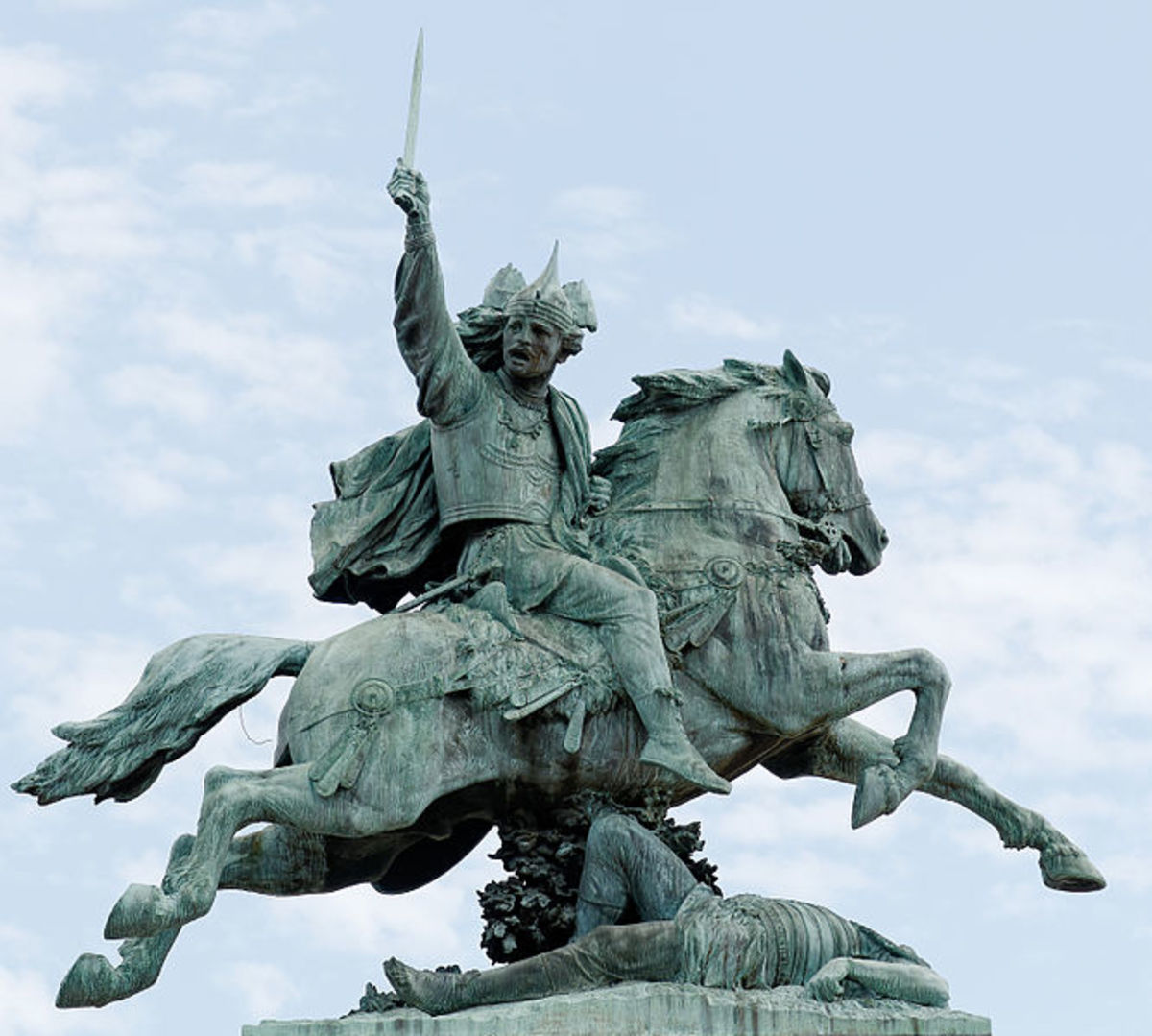 This is a`statue of Vercingetorix, chief of the Arverni tribe who succeeded in uniting the Gallic tribes against Julius Caesar.